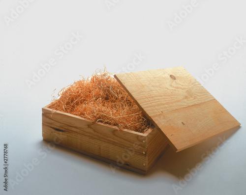 caisse bois couvercle de j r me dreumont photo libre de droits 2778768 sur. Black Bedroom Furniture Sets. Home Design Ideas