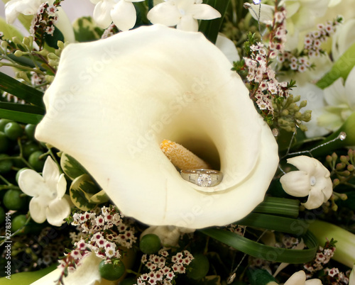 calla lily and ring