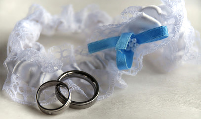 wedding suspender with rings