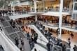 Leinwanddruck Bild - busy shopping day