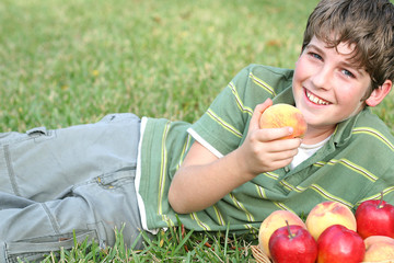 boy with peaches & apples