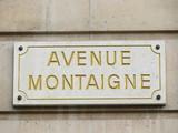 avenue montaigne centré. poster