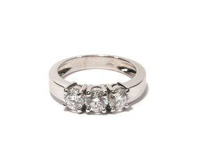 trilogy con diamanti naturali  ring in white gold