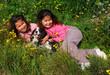 soeurs jumelles et leur chien