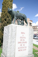 statue of she-wolf and rome and romul in segovia
