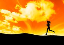 Rennen en zonsondergang