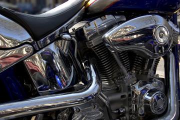 gros plan du moteur d'une moto de légende