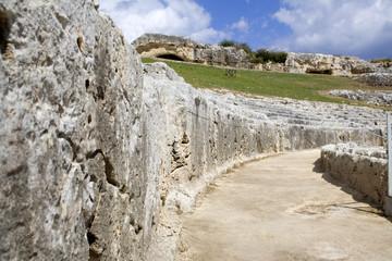 teatro greco, dentro la cavea