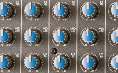 audio mixer equalizer