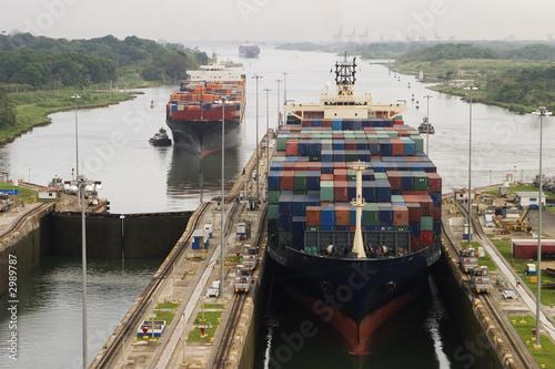 Leinwandbild Motiv cargo ship in panama canal