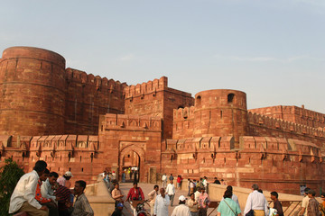 agra red fort entrance