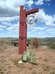 horseshoe ranch gatepost