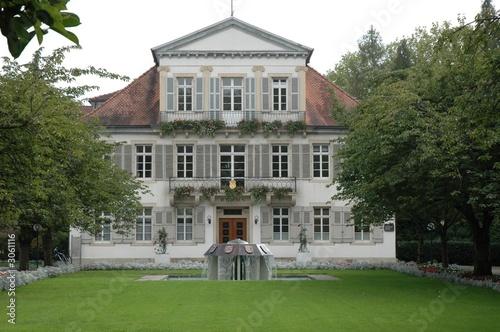 Leinwanddruck Bild rathaus  und Gartenanlage in Lahr, Baden Deutschland