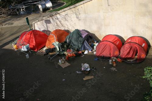 Leinwanddruck Bild homeless in row