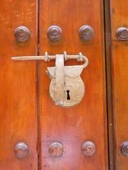 candado con forma de alforja en cartagena