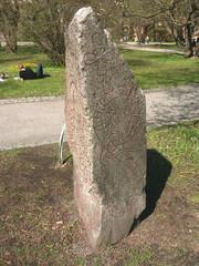 runa di sasso triangolare