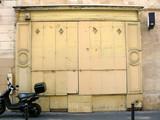 boutique jaune. poster