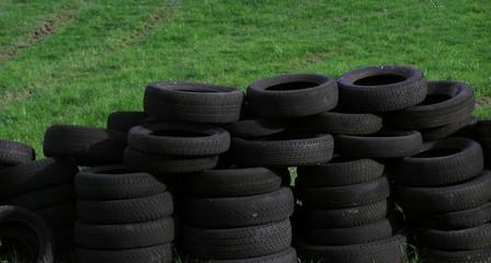 0657 - vieux pneus