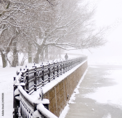 embankment at snowfall © SimFan
