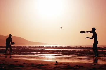 tenis en la playa