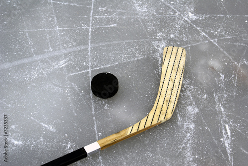 Fotobehang Wintersporten Hockey Stick and Puck
