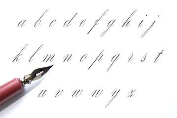 porte plume et alphabet