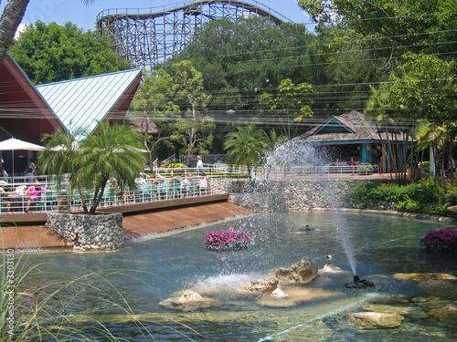 Leinwanddruck Bild theme park fountain