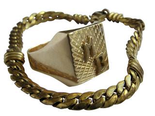 1220 - chevalière et collier (détourage inclus)