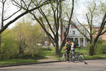 bicyclists in spring park