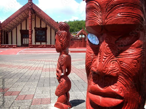 marae carvings