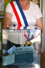 urne élection maire ballot box election