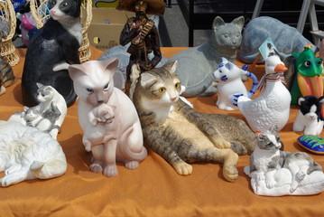 chat en porcelaine