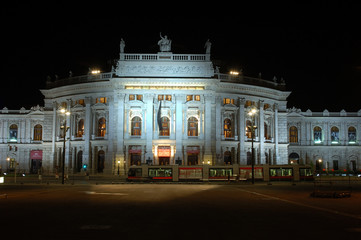 wiener burgtheater bei nacht