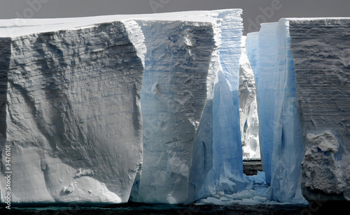 huge icebergs with gap