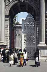 dolmabahce entrance-1