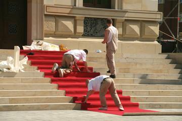 Der rote Teppich wird ausgerollt