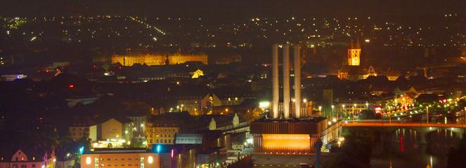 Blick auf Würzburg in der Nacht
