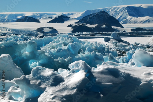 World of ice - 3580936