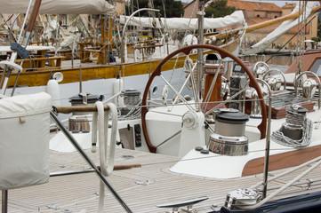 la barre du Yacht