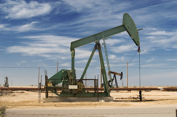 A producing oil well in a California Central Valley oilfield.