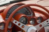 Zblízka detail klasické Corvette na auto show
