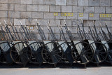 groupe de chariots rangés à Budapest poster