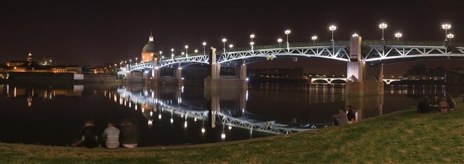 Pont St-Pierre de nuit