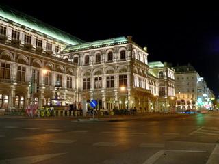 Wr. Staatsoper bei Nacht