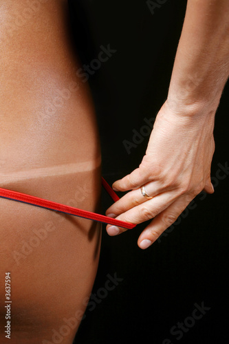 Tan demonstration on part of women body