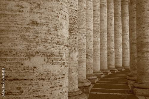 Fototapeta Columns in Sepia