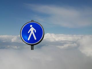 Fussgänger im Himmel