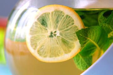 Mint tea with lemon