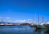 Fototapety Des Voiliers dans le port d'Antibes.
