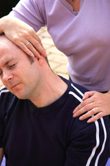 Stretch to the letf side of the neck